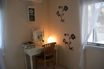 hoofdslaapkamer-makeuptafel